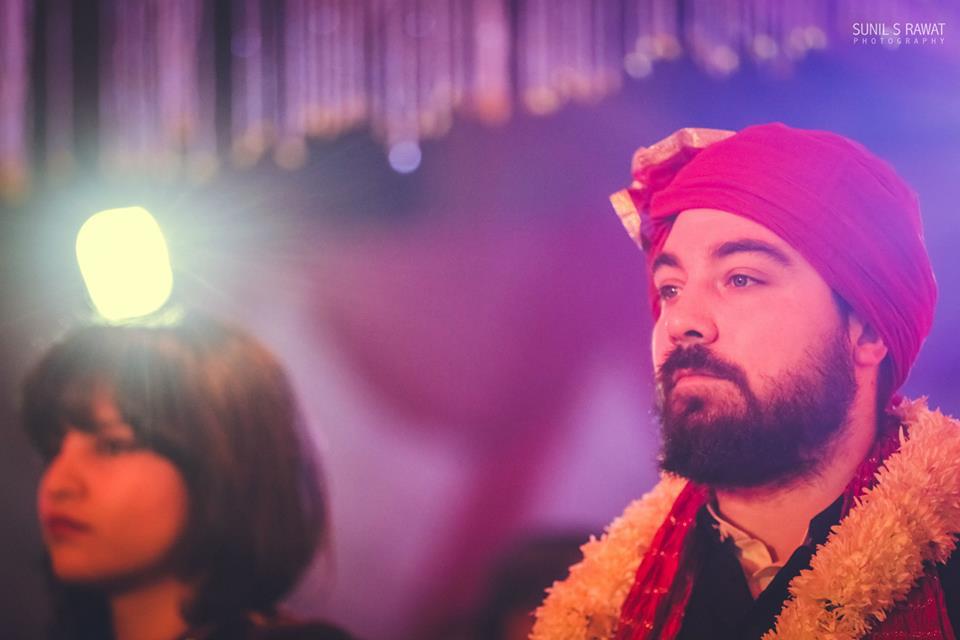 Handome Groom Wearing Red Turban by Sunil S Rawat Groom-wear-and-accessories | Weddings Photos & Ideas