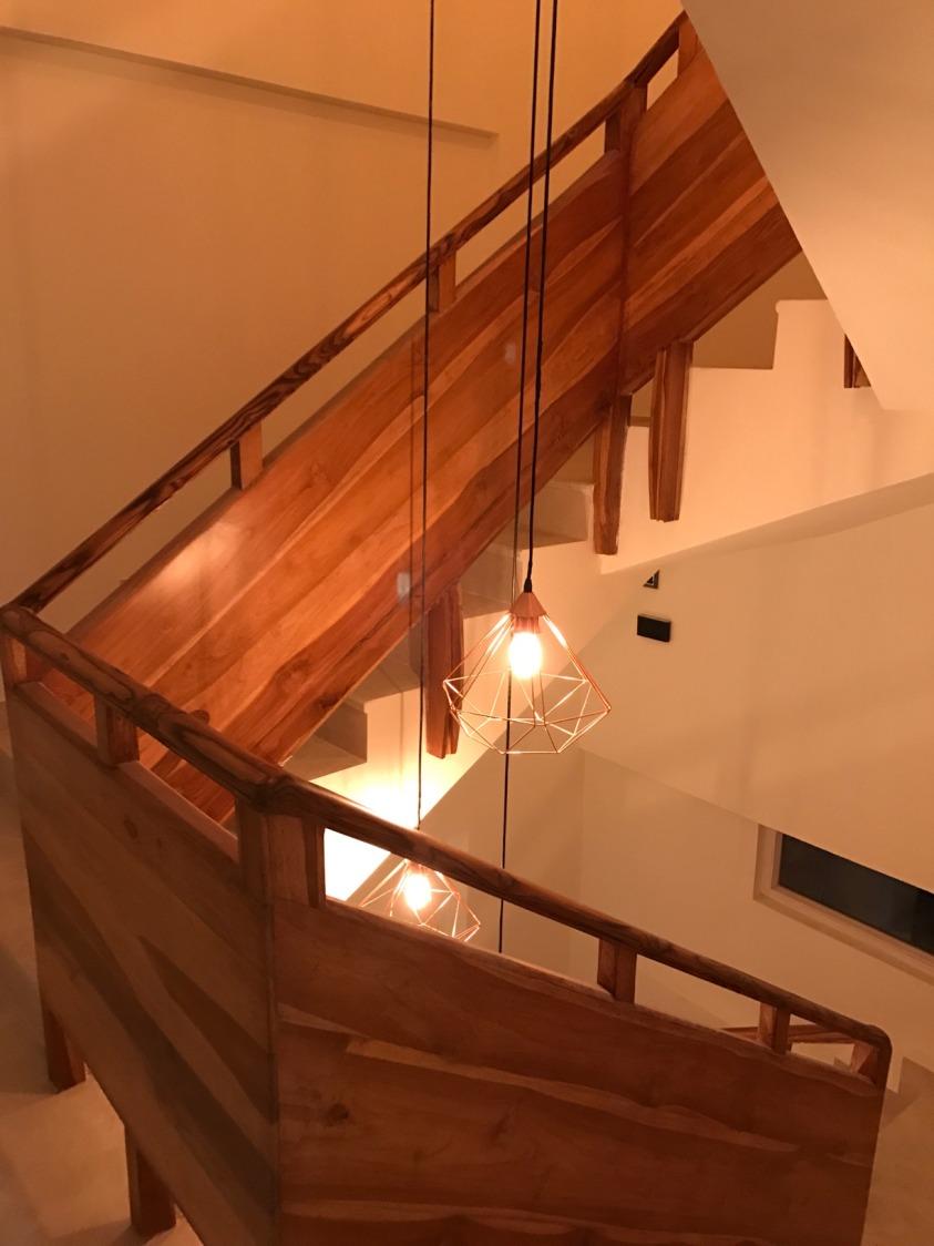 A contemporary modern staircase design! by Setu Design Studio