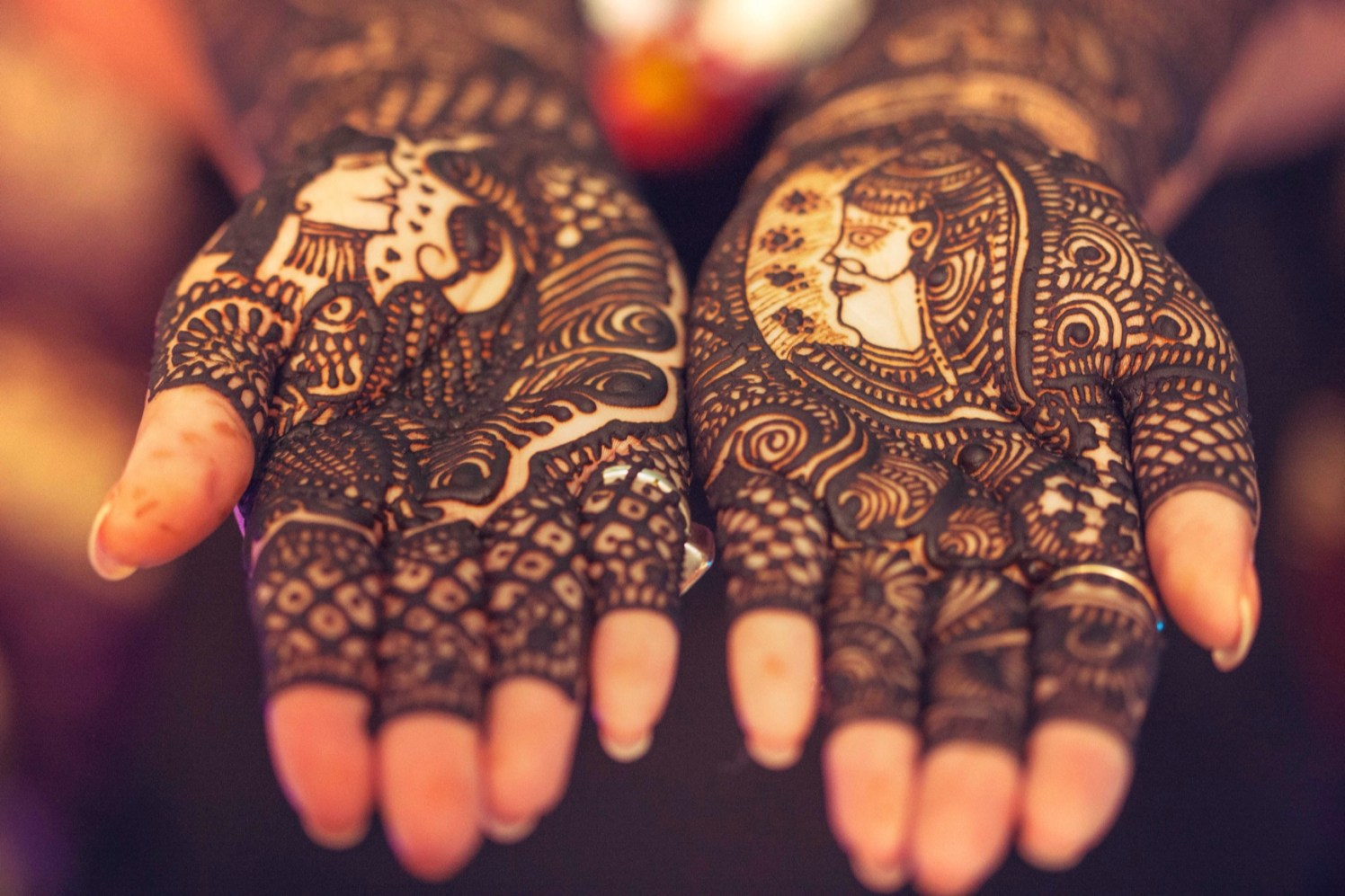 A close view of intricate mehendi details by Candid wedding Wedding-photography | Weddings Photos & Ideas