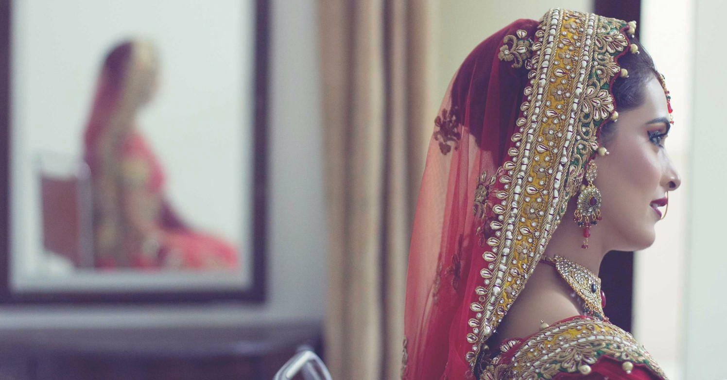 Dreaming away about her lover by Candid wedding Wedding-photography | Weddings Photos & Ideas