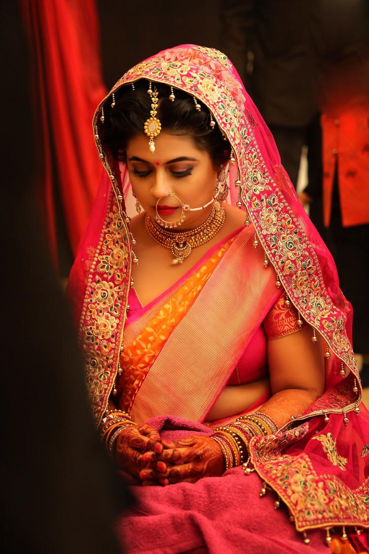 A shy bride by Candid wedding Wedding-photography | Weddings Photos & Ideas