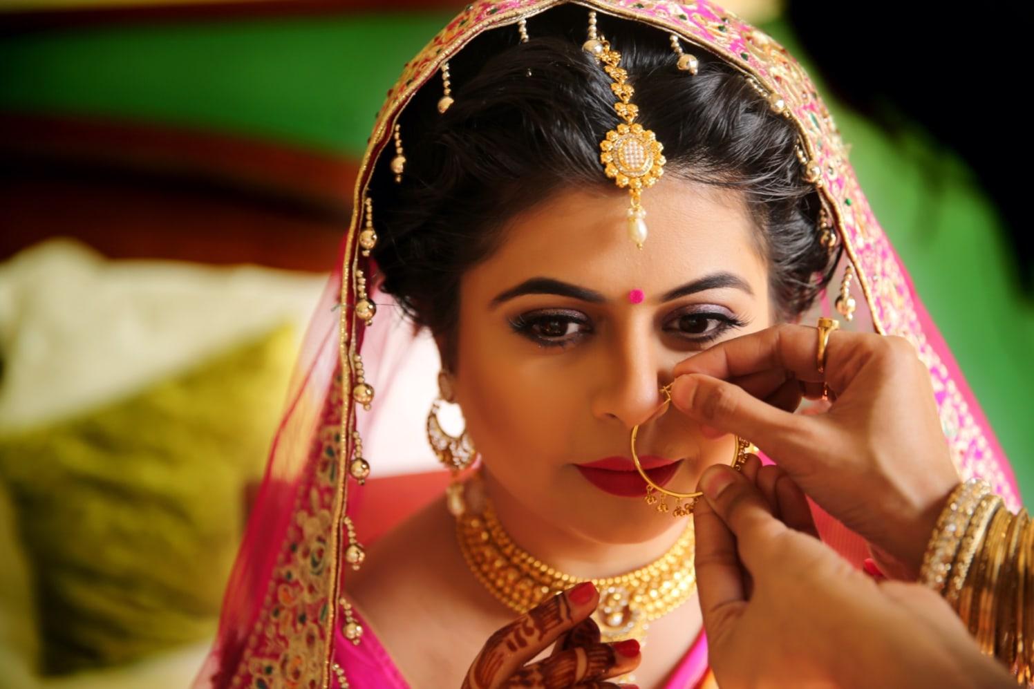 Elegant closeup of the bride by Candid wedding Wedding-photography | Weddings Photos & Ideas