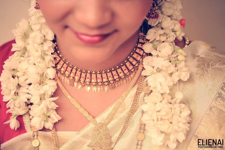 Bride Details Shot by Elienai Wedding-photography | Weddings Photos & Ideas