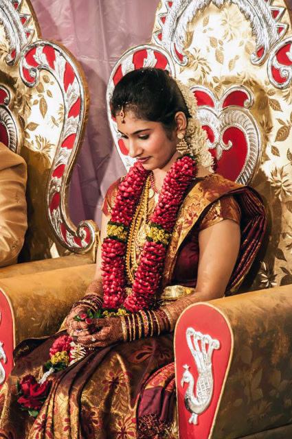 Candid Bride Shot by Hombli Basavaraj Wedding-photography | Weddings Photos & Ideas
