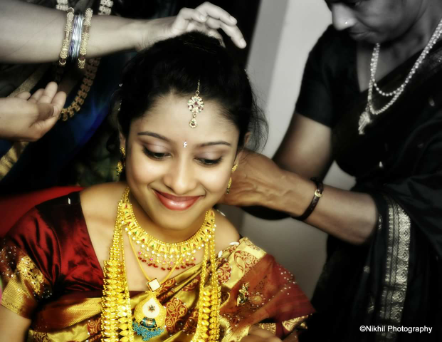 Bridal Gold Necklace Monochrome Shot by Nikhil photography  Wedding-photography | Weddings Photos & Ideas
