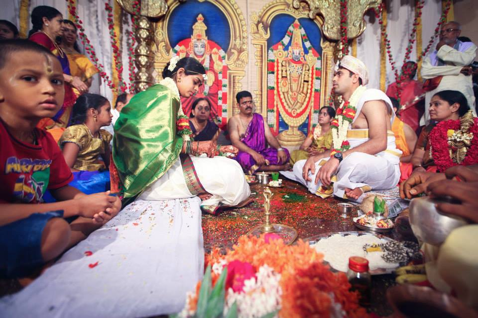 Bride and Groom Performing Wedding Rituals by Radha Photos Wedding-photography | Weddings Photos & Ideas