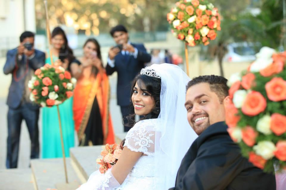 Graceful Gaze Of The Couple! by Radha Photos Wedding-photography | Weddings Photos & Ideas