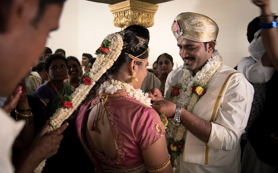 Stunning Duo On Their Wedding Day! by Radha Photos Wedding-photography | Weddings Photos & Ideas