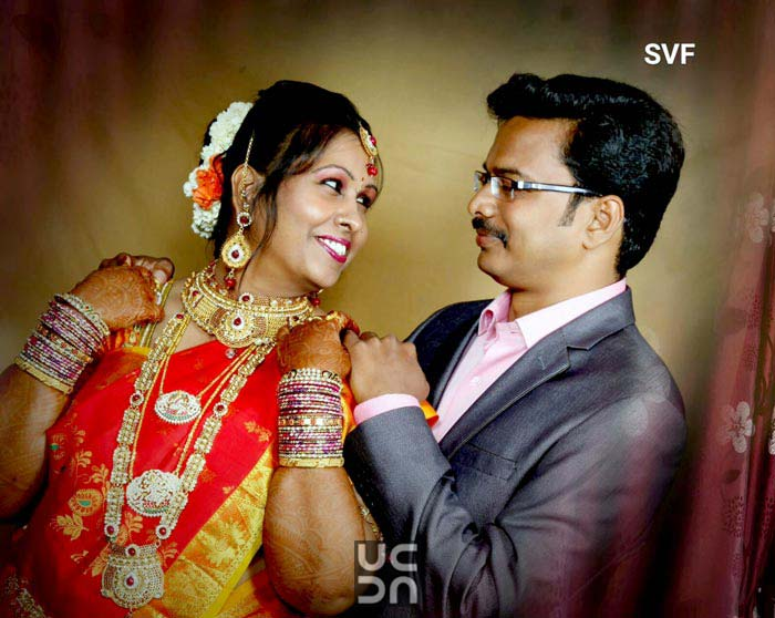 Happy Bride and Groom Pose During Their Wedding Day by Sindhu Video Filming (V1Broadcast Live vdo Streaming ) Wedding-photography | Weddings Photos & Ideas