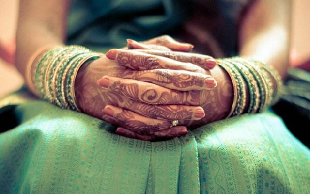 Bridal Hand Shot Showcasing Her Beautiful Mehendi by Sumant 's photography  Wedding-photography | Weddings Photos & Ideas