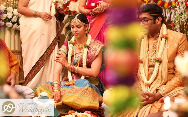 South Indian Bride Wearing a Beautiful Mang Teeka by Great Indian Weddings Wedding-photography | Weddings Photos & Ideas