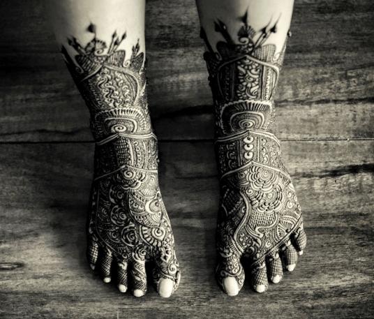 Pakistani Bridal Feet Mehendi Design by Devansh Rangani Bridal-mehendi | Weddings Photos & Ideas