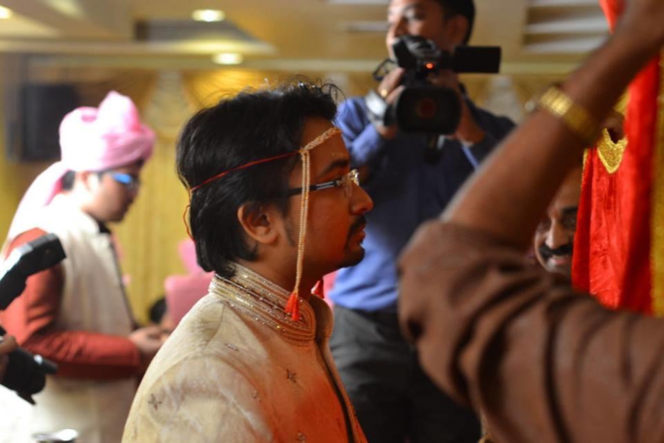 Candid Marathi Groom Shot During His Wedding Day by Kavita Vijay Modi Wedding-photography | Weddings Photos & Ideas