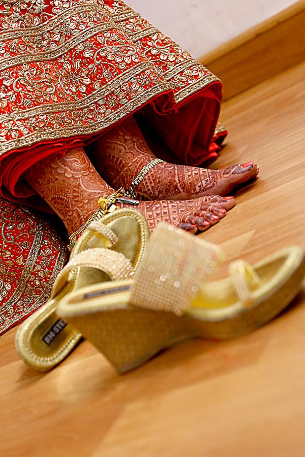 Bridal Feet Mehendi With Bride Footwear by navin photography Wedding-photography   Weddings Photos & Ideas