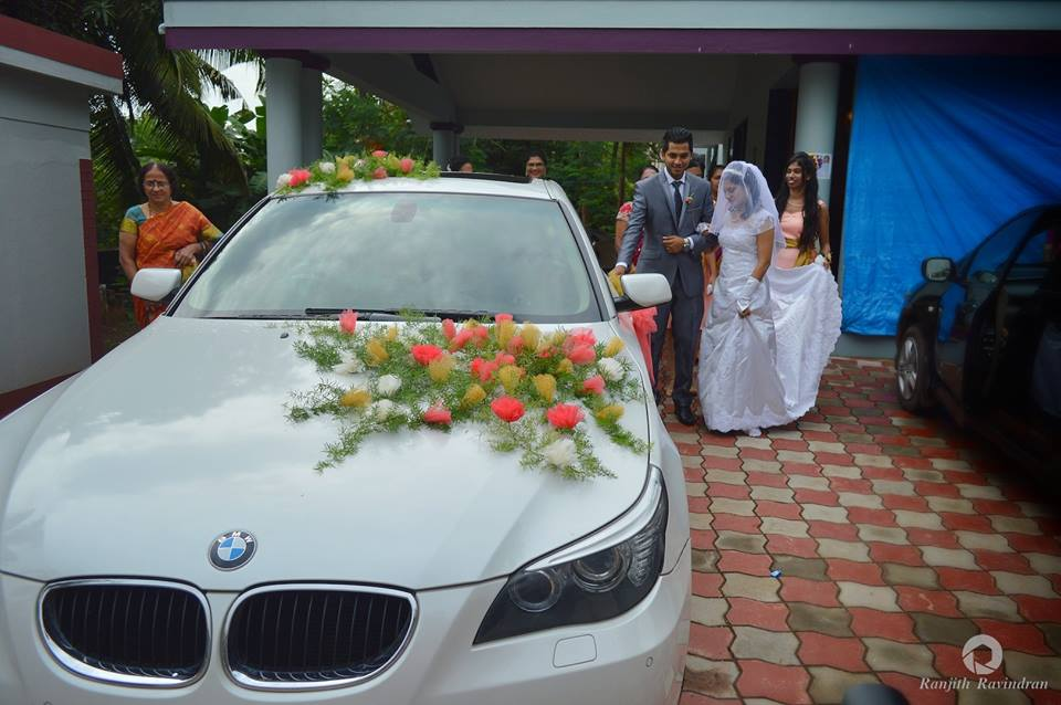 Royal Ride For Christian Bride and Groom by Ranjith R Ravindran Wedding-photography | Weddings Photos & Ideas