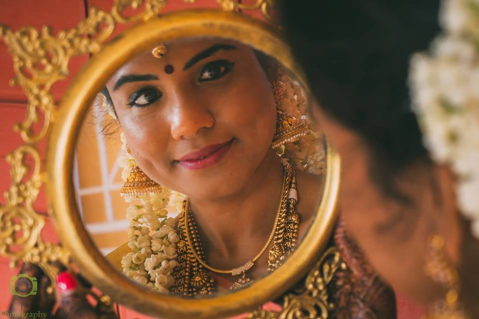 Radiant South Indian Bride With Bold Eye Makeup by Jagadeesh  J Wedding-photography | Weddings Photos & Ideas
