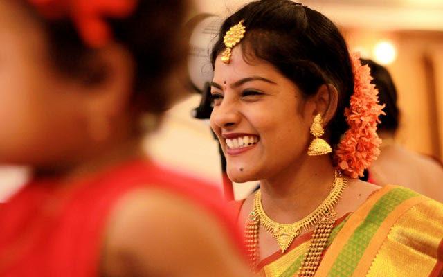 Happy Bride Wearing Exquisite Gold Jewelry by Vivek Renukaprasad Bridal-jewellery-and-accessories   Weddings Photos & Ideas