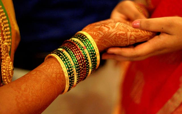 Bridal Bangles and Mehendi Design by Vivek Renukaprasad Bridal-jewellery-and-accessories | Weddings Photos & Ideas