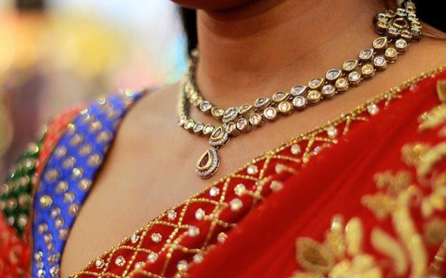 Beautiful Polki Necklace by Vivek Renukaprasad Bridal-jewellery-and-accessories | Weddings Photos & Ideas