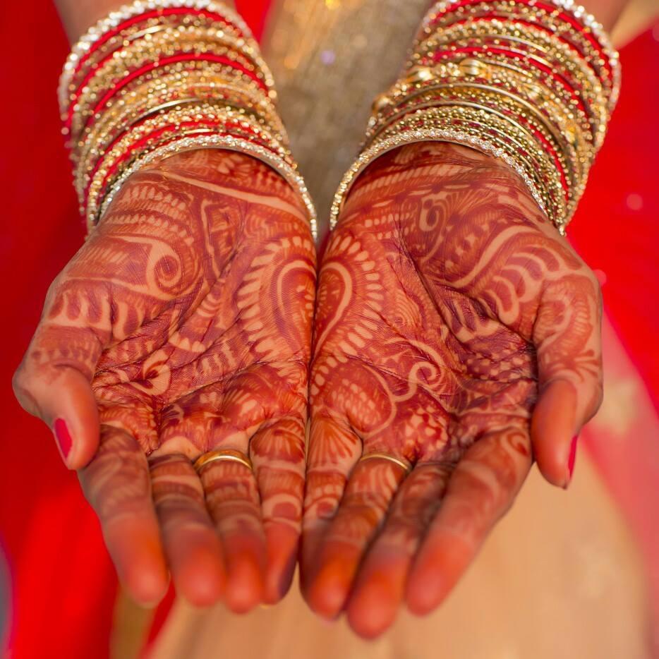 Beautiful Split Mandala Half Hand Bridal Mehendi by Kishor Bridal-mehendi | Weddings Photos & Ideas