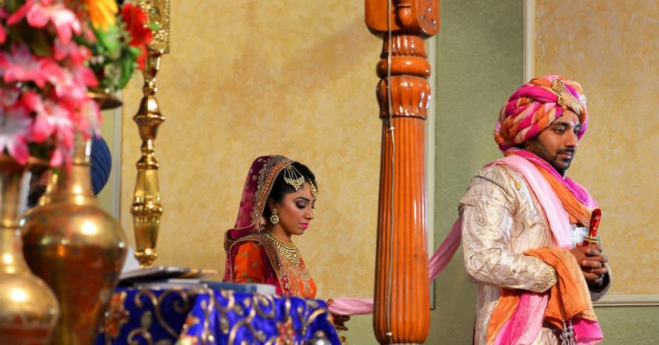 Bride and Groom Taking Pheras by Nitin Tanwar Wedding-photography | Weddings Photos & Ideas