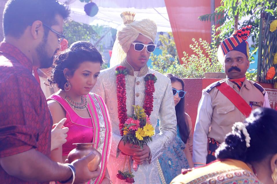 Dapper Groom Making His Entry by Sagar Thackar Wedding-photography | Weddings Photos & Ideas