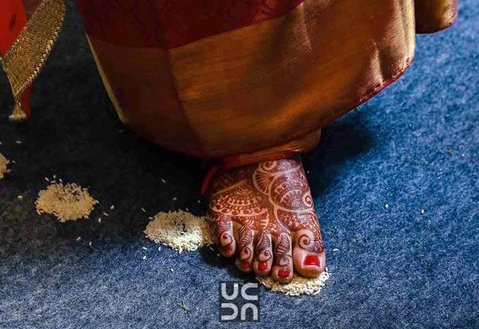 Beautiful feet mehendi by Madhuri Sharma Photography Wedding-photography | Weddings Photos & Ideas