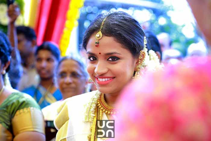 Resplendent bride by Madhuri Sharma Photography Wedding-photography | Weddings Photos & Ideas
