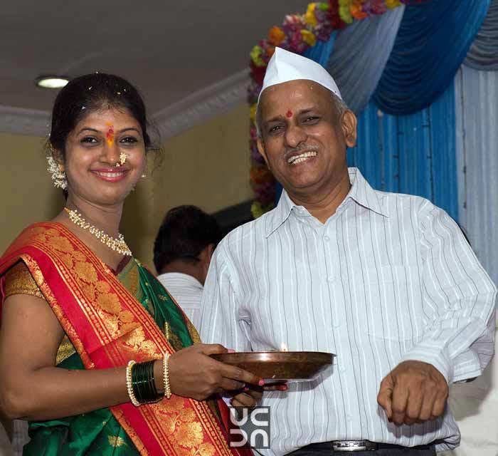 Gleaming marathi bride by Madhuri Sharma Photography Wedding-photography | Weddings Photos & Ideas