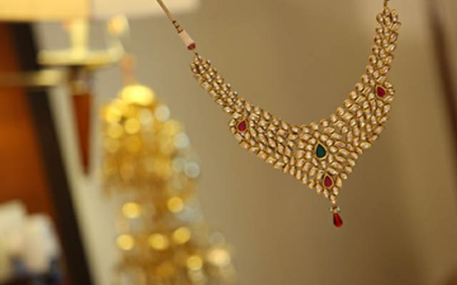 Stunning Bridal Polki Necklace by Kshitij Gupta Bridal-jewellery-and-accessories | Weddings Photos & Ideas