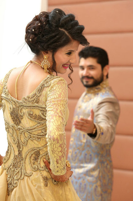 Bride Looking Regal In Yellow Dress During Her Engagement by Kshitij Gupta Wedding-photography | Weddings Photos & Ideas