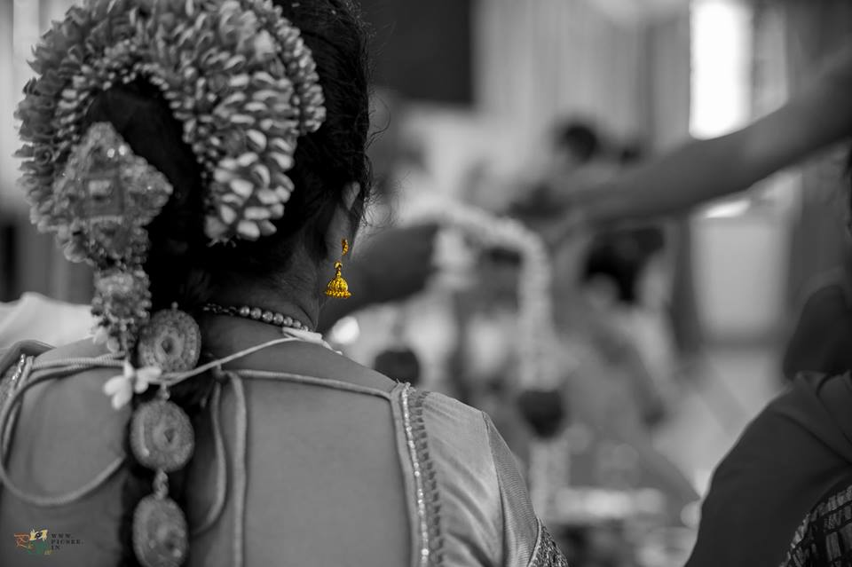 Gorgeous Gold Jhumki of South Indian Bride by Bharath Venkatesh Wedding-photography | Weddings Photos & Ideas