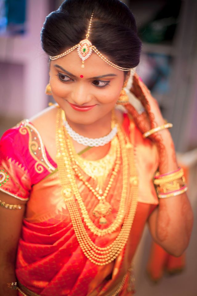 Gleaming Bride With Gorgeous Gold Jewelry by Bharath Venkatesh Wedding-photography | Weddings Photos & Ideas