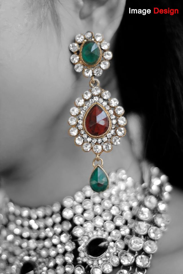 Beautiful Bridal Polki Jewelry Monochrome Shot by Vishal Bridal-jewellery-and-accessories | Weddings Photos & Ideas