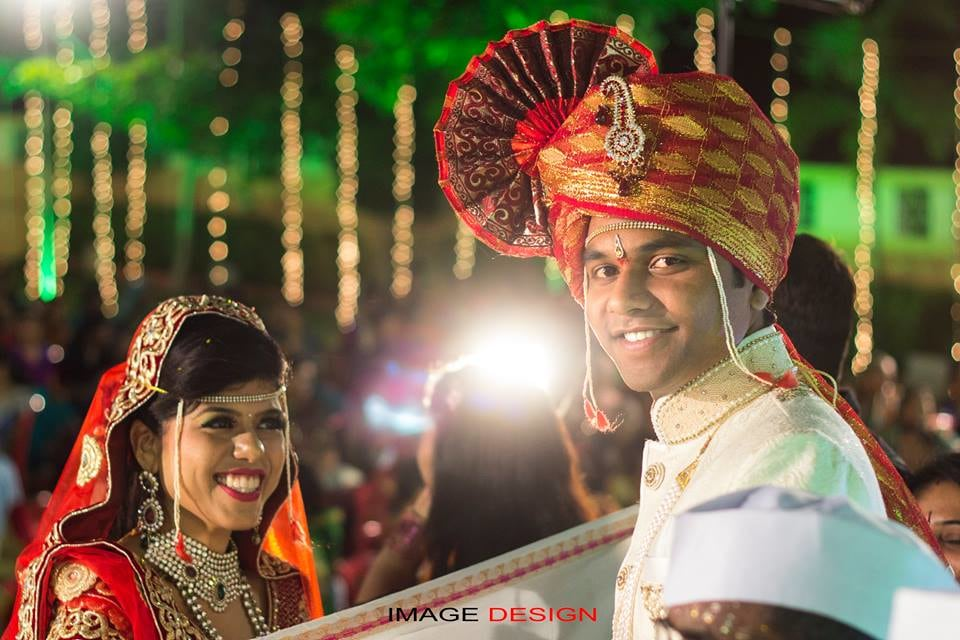 Marathi Bride and Groom Jovial During Their Wedding by Vishal Wedding-photography | Weddings Photos & Ideas