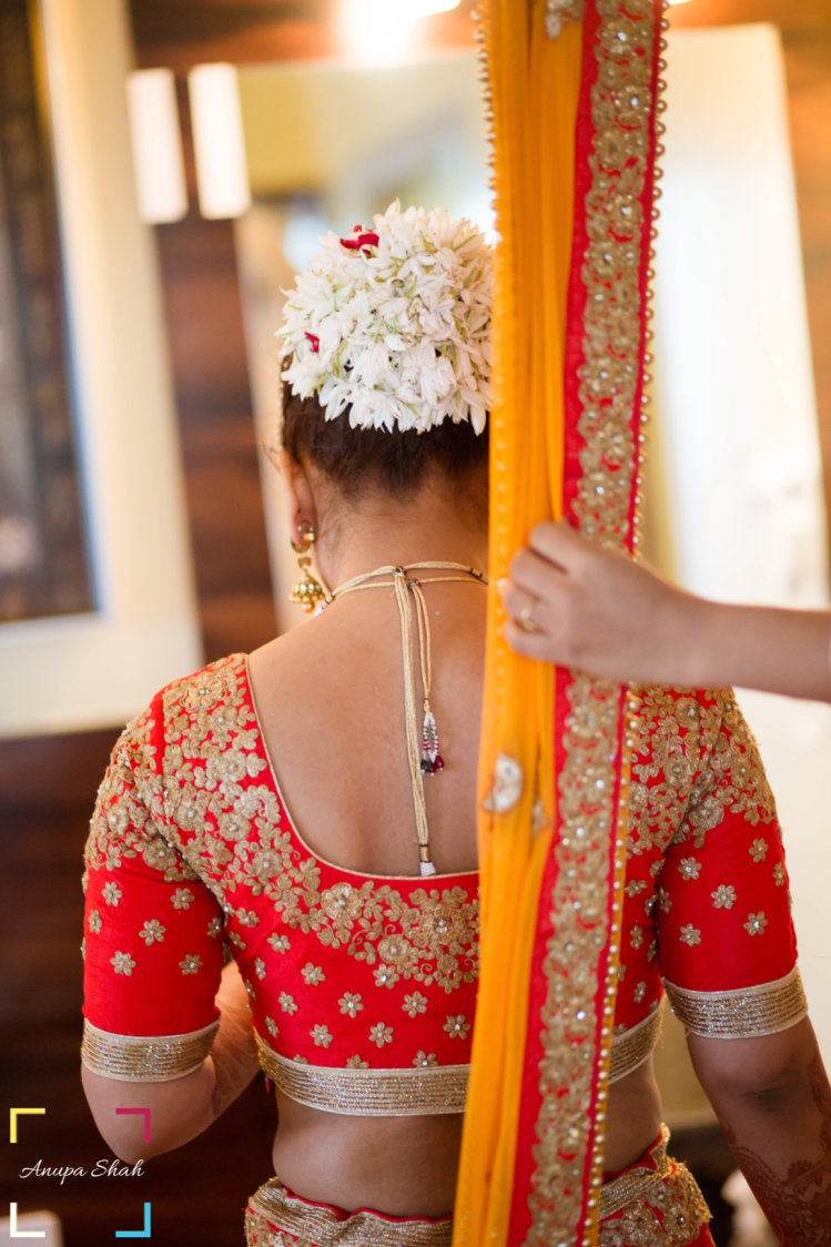 Getting Ready For Her Grand Day! by Anupa Shah Wedding-photography Wedding-hairstyles | Weddings Photos & Ideas