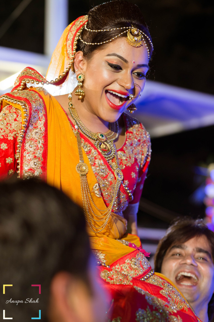 Happy Bride On Her Wedding Day! by Anupa Shah Wedding-photography Bridal-jewellery-and-accessories Bridal-makeup | Weddings Photos & Ideas