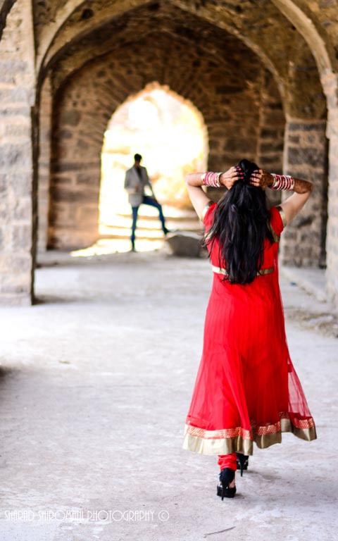 Looking For Him! by Sharad Shiromani photography Wedding-photography | Weddings Photos & Ideas