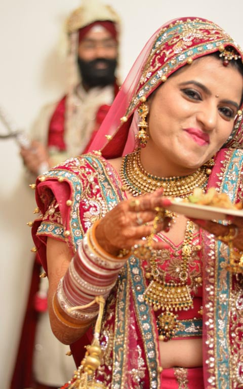 Pretty Bride On Her D-Day by Sharad Shiromani Wedding-photography Bridal-jewellery-and-accessories Bridal-makeup | Weddings Photos & Ideas