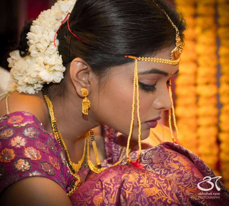 Elegant Aura Of The Bride! by Abhishek Rane Photography Wedding-photography Bridal-jewellery-and-accessories Bridal-makeup | Weddings Photos & Ideas