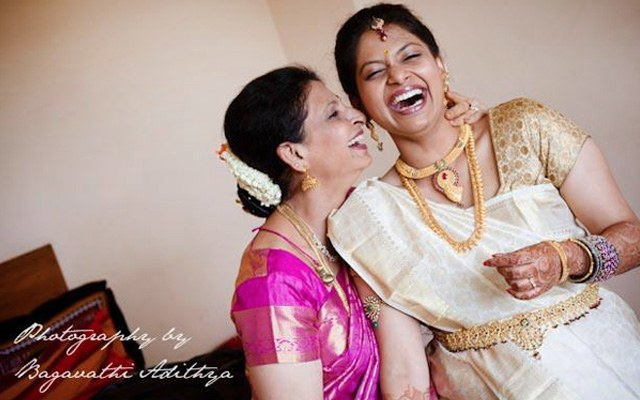 Happy Photoshoot With Bride And Bride's Mother by Bagavathi Wedding-photography Bridal-jewellery-and-accessories | Weddings Photos & Ideas