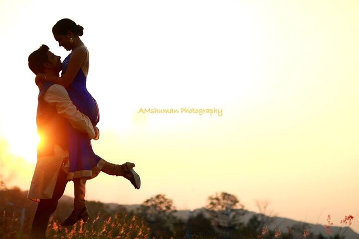 Pose Idea For The Couple by Amshuman Wedding-photography | Weddings Photos & Ideas