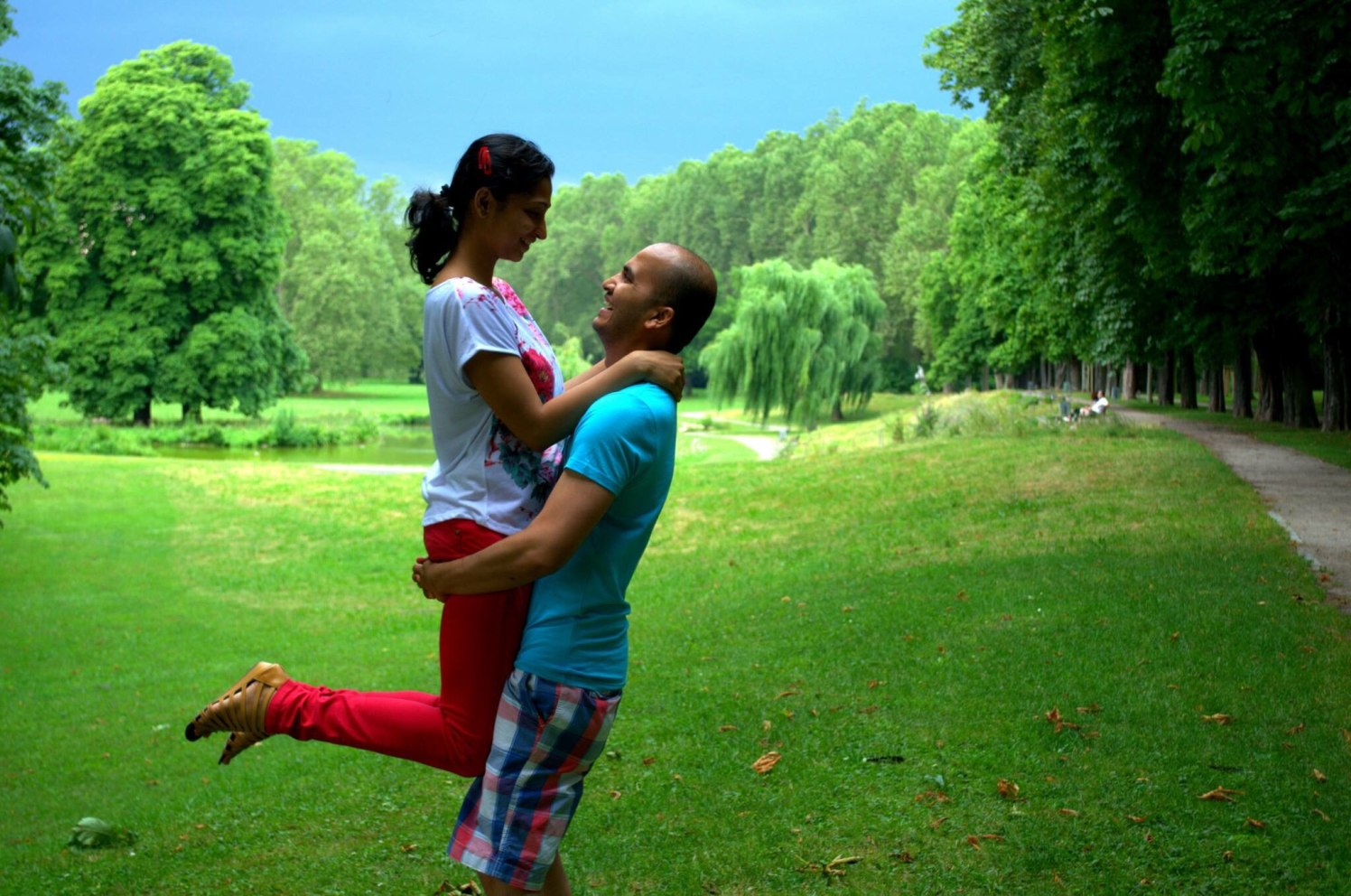 Pre Wedding Shoot In A Simple Place by Amshuman Wedding-photography | Weddings Photos & Ideas