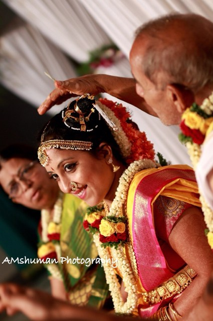 Fascinating Smile Of The Bride! by Amshuman Wedding-photography Bridal-jewellery-and-accessories | Weddings Photos & Ideas