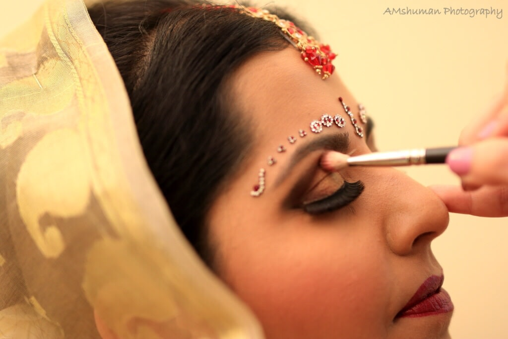 Bride Getting Ready For Her D-Day! by Amshuman Wedding-photography Bridal-makeup | Weddings Photos & Ideas