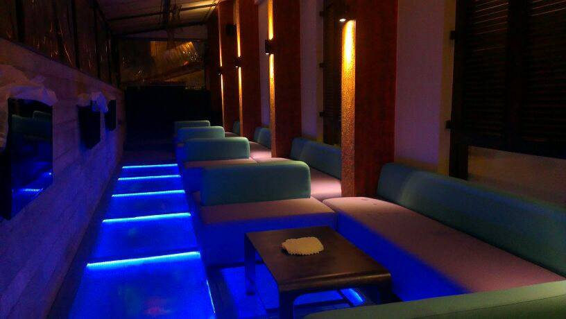 Jazzy Lounge Setup With Blue Lighting by Hoshedaar Eruch Carnac Modern | Interior Design Photos & Ideas