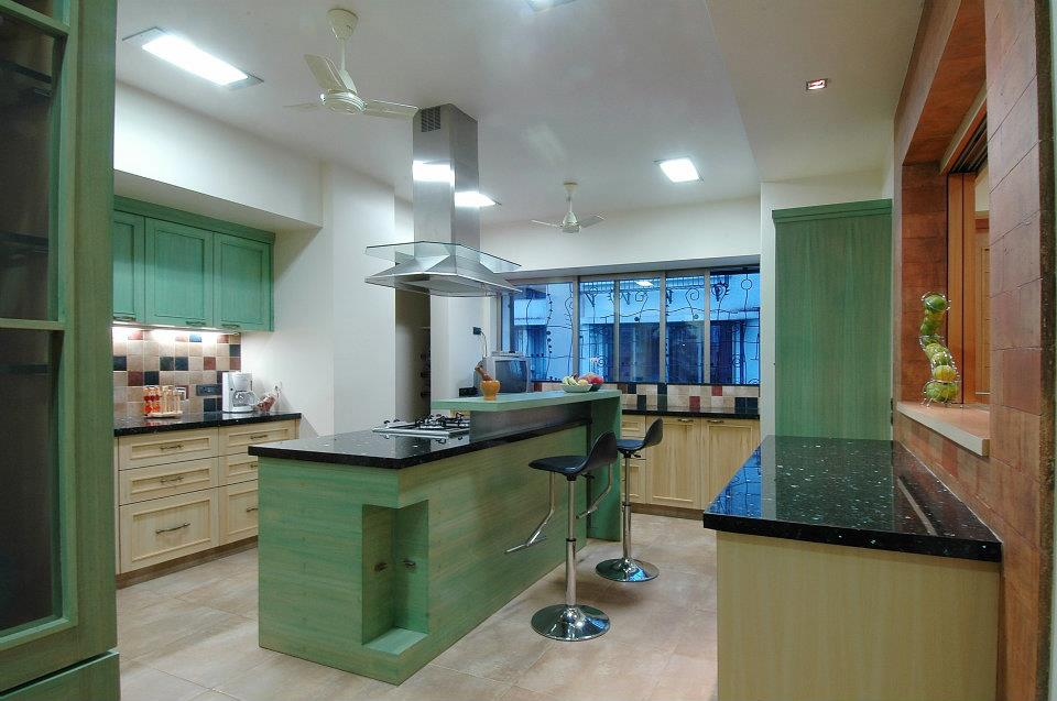 Large Kitchen With Green And white combo by Hoshedaar Eruch Carnac Modular-kitchen Modern | Interior Design Photos & Ideas