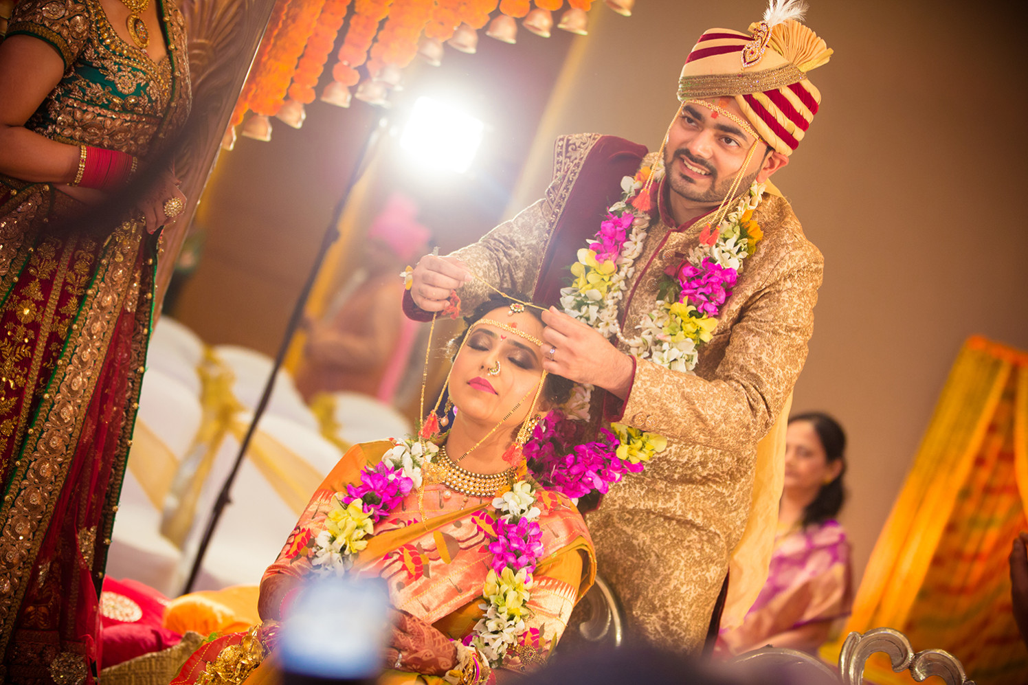 Bride and Groom Wearing Elegant Traditional Outfits by Bosco Naveen Wedding-photography | Weddings Photos & Ideas
