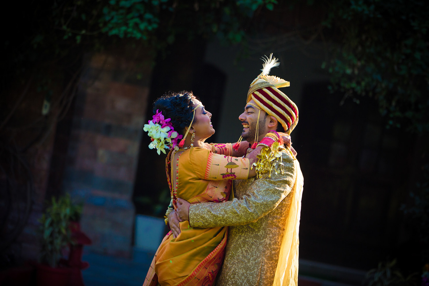 Marathi Bride and Groom Wearing Trendy Outfits by Bosco Naveen Wedding-photography | Weddings Photos & Ideas