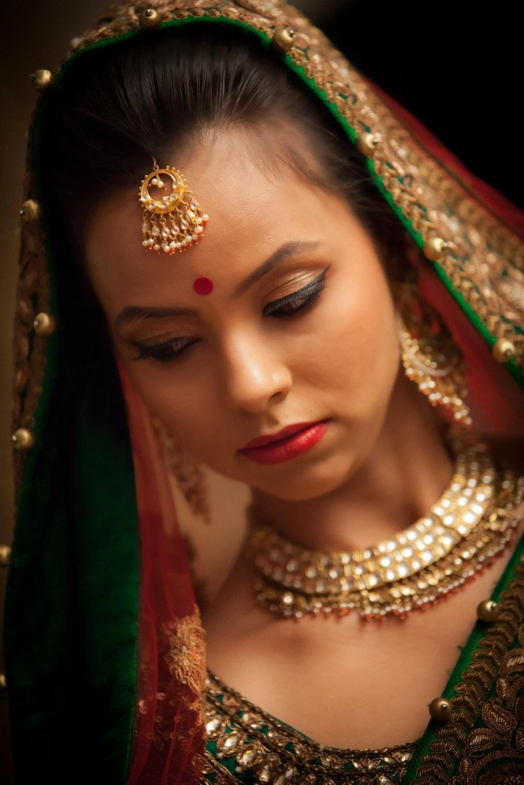 Bride Wearing Winged Eyeliner by Bosco Naveen Bridal-makeup | Weddings Photos & Ideas
